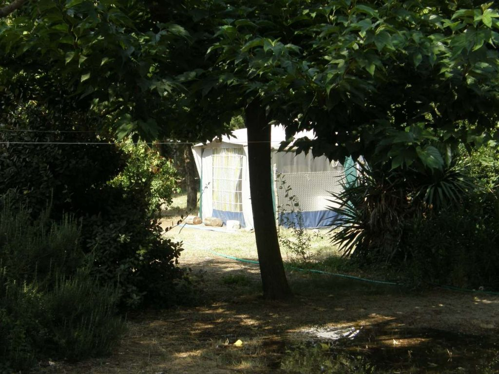 emplacement tente camping les cerisiers luberon