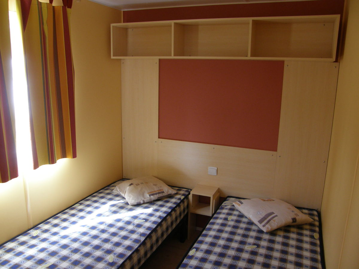 Chambre mobil-home provence luxe camping les cerisiers